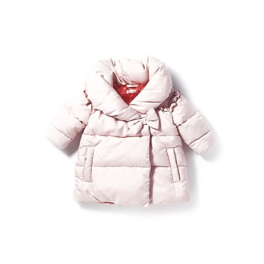 Gift sets and insulating layers for little ones, crafted from super-soft cotton and cashmere.